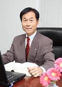 弁護士山下江先生